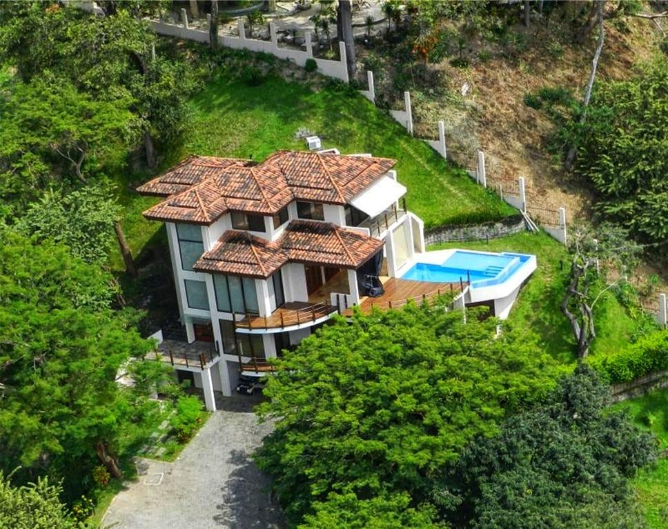 Casa Estiyul – panoramic ocean views