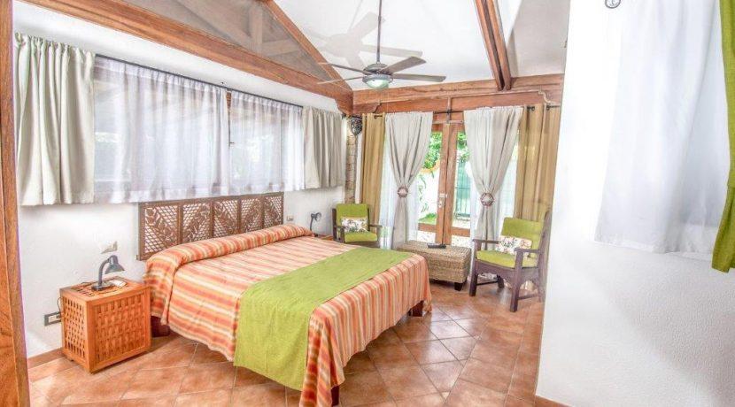 Villa Kamar 8 (2)